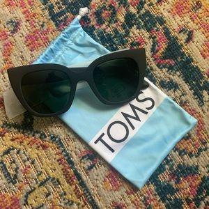 Tom's cat eye sunglasses